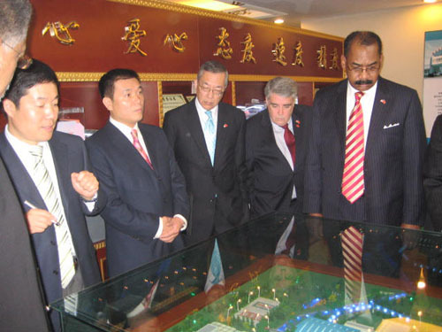 Freeport Mayor Andrew Hardwick, far right, at the New York in China Center in December.