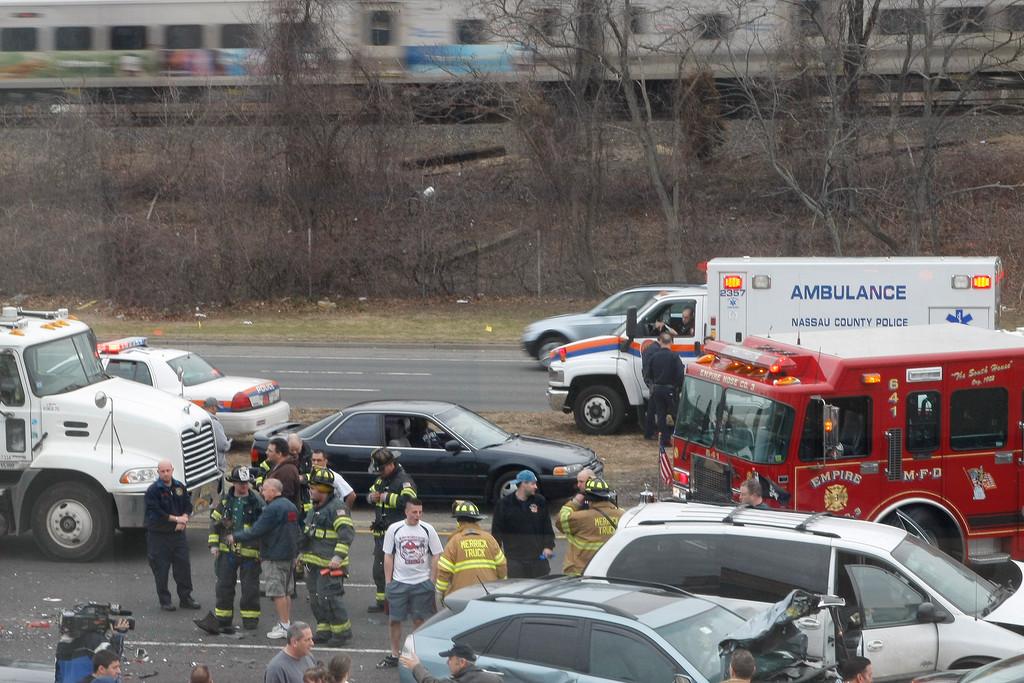 Multi-car crash closes Sunrise Highway | Herald Community Newspapers