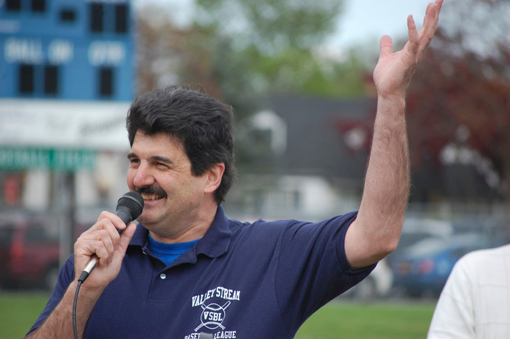 League President Bob Inzerillo greeted players, coaches and parents.