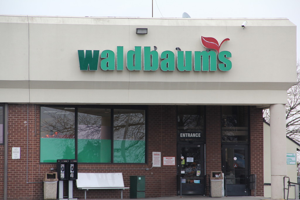 "Waldbaum's parent company announced that it would be closing the ""underperforming"" store on Sunrise Highway as it exits bankruptcy."