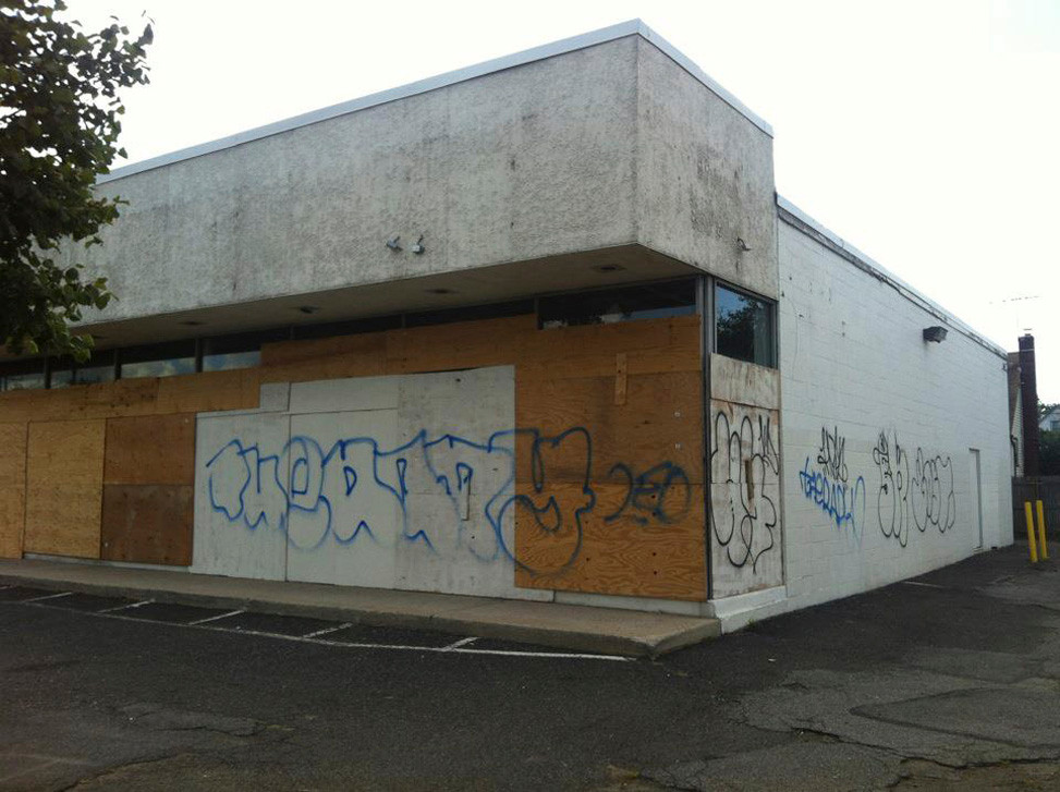 The Town of Hempstead rejected a proposal to develop an IHOP at this boarded-up building on Hempstead Turnpike at Lincoln Avenue.