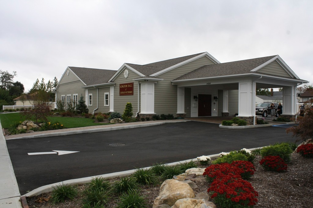 The Bellmore Kingdom Hall of Jehovah's Witnesses is larger than its predecessor, with new conference rooms, an office and an auditorium that seats more than 120 people.