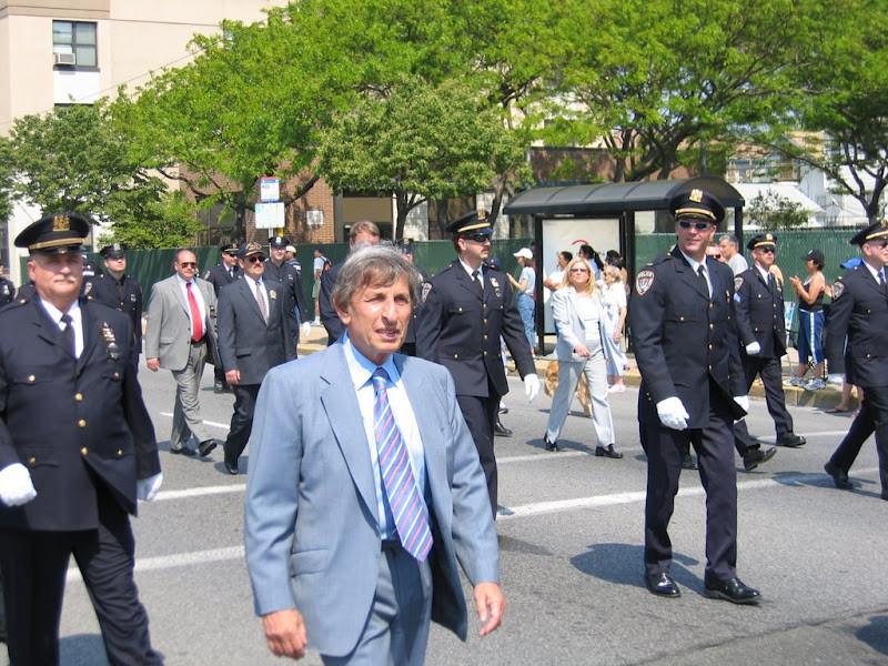Larry Elovich marched in the 2006 Memorial Day Parade in Long Beach.