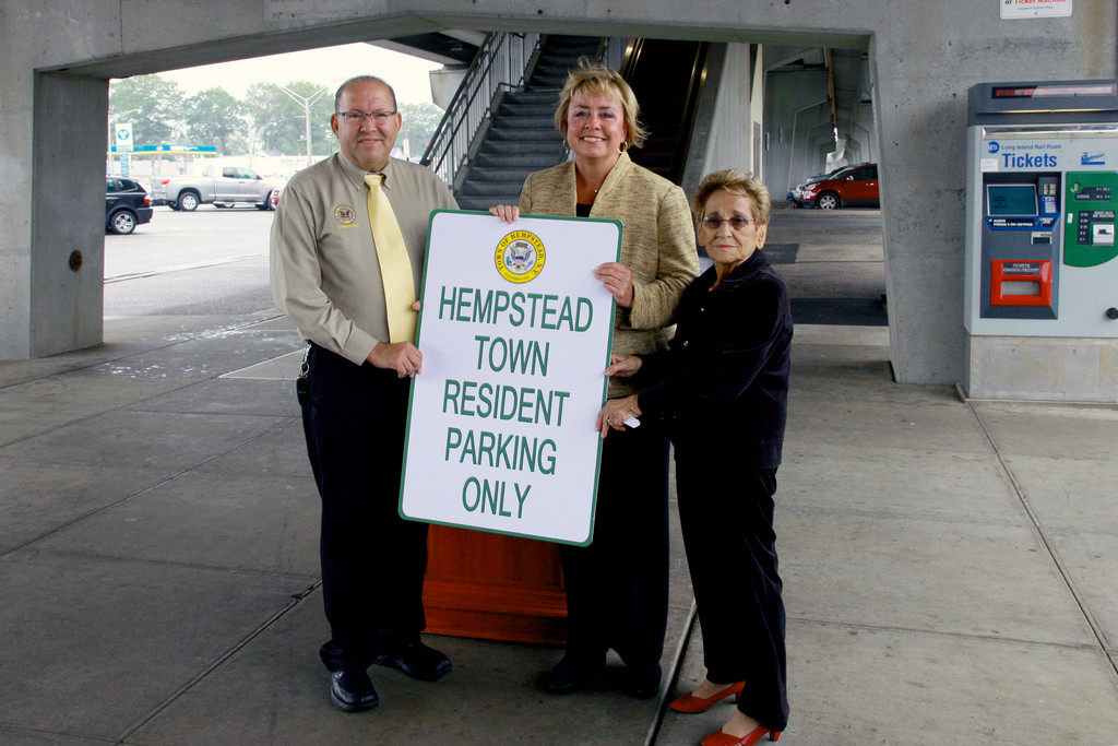 Town of Hempstead Councilman Gary Hudes, Supervisor Kate Murray and Councilwoman Angie Cullin appeared at the Bellmore train station on Sept. 28 to provide information about a new permit parking program.