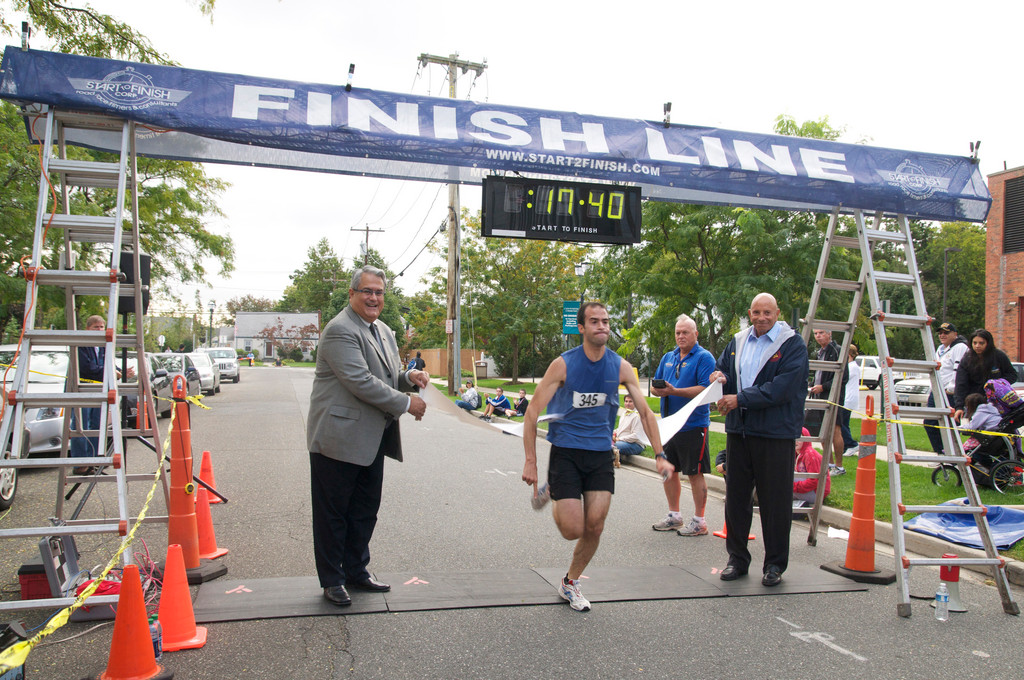 First place at the 5k run was Ilan Hausner of Oceanside.