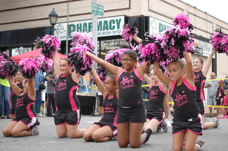 The Grace Thunderettes were among many performers at Rockaway and Lincoln avenues.