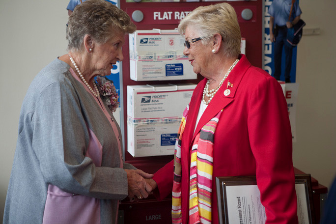 Roberta Cook and Congresswoman Carolyn McCarthy shared a moment before the ceremony.