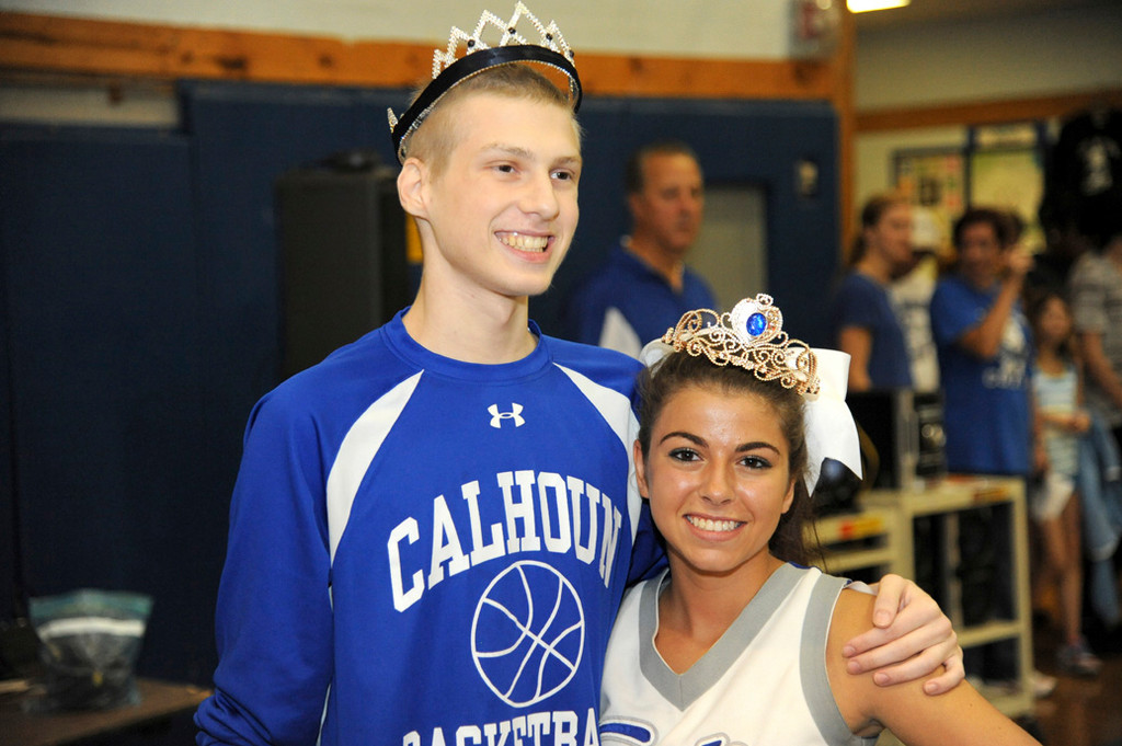 Homecoming king and queen Dean Brownwirth and Shannon Matzen smiled for the camera.