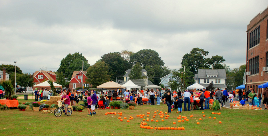 The fair had a real fall feel to it, with an array of pumpkins, cornstalks and fall flowers.
