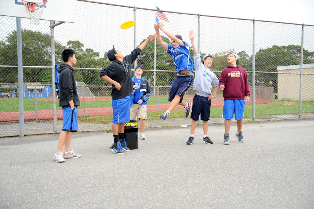 Steven Hernandez, Colin Lowe, Bobby Bianco and Bruno Panzini enjoyed a game of Kan Jam as Nick Caso looked on.