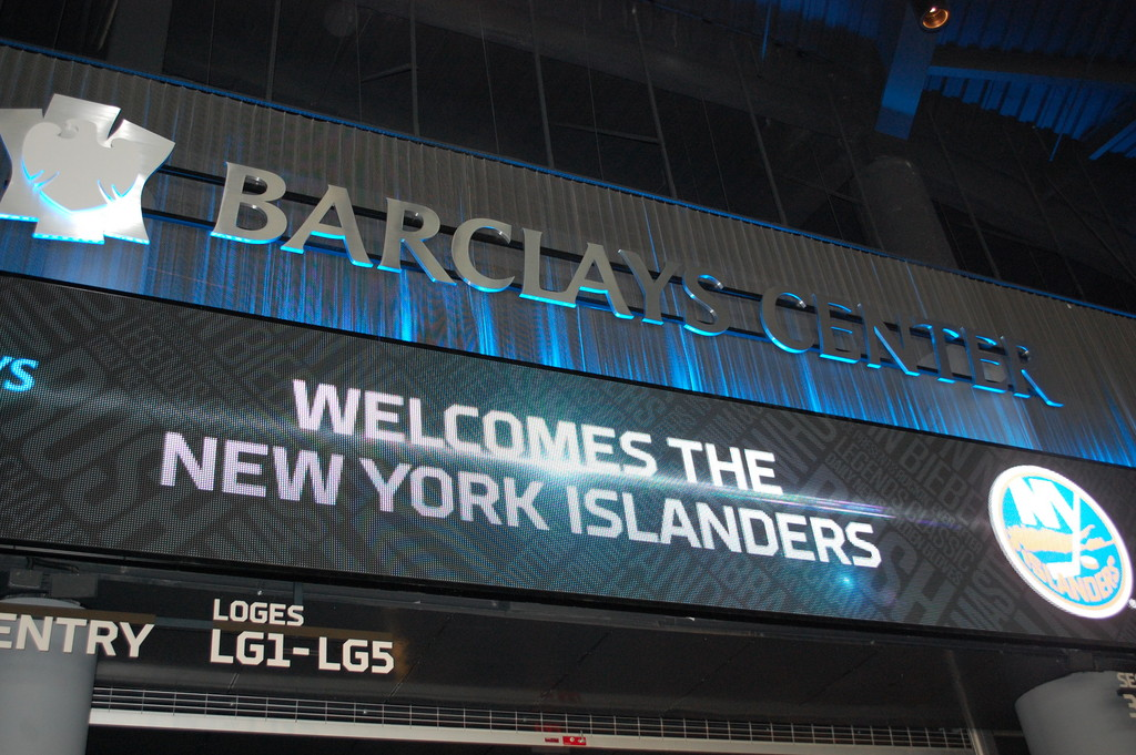 The New York Islanders will begin playing in Brooklyn at the start of the 2015-16 season.