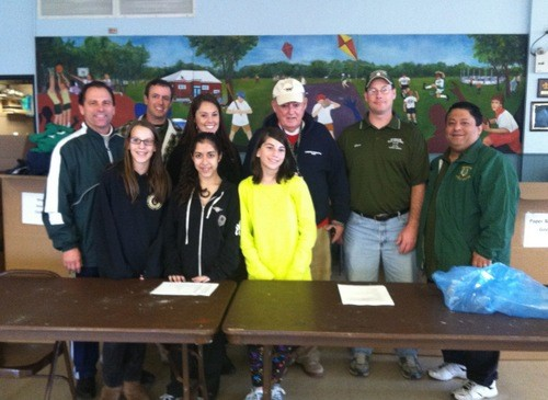 When they Titan wrestling team and the Lynbrook Little League came to the Rec department in Greis Park for registration sign up last weekend, little did they know that it would turn into a huge fundraising event.