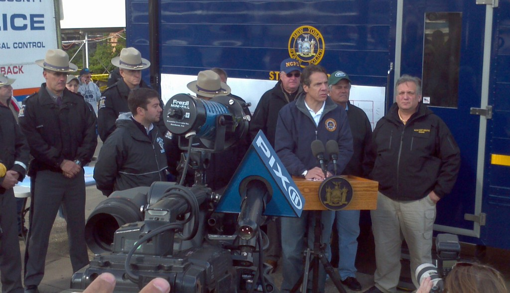 Governor Cuomo and local officials put pressure on LIPA to restore power to Long Beach.