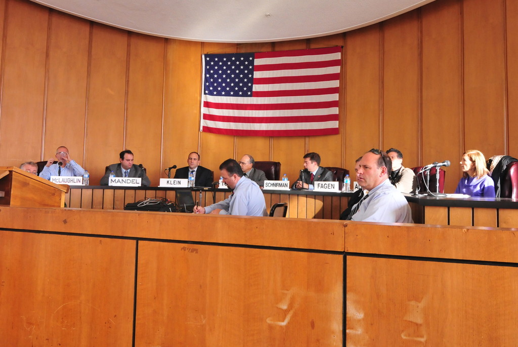 The City Council lifted a curfew order at a special meeting on Tuesday, but affirmed Long Beach's state of emergency.