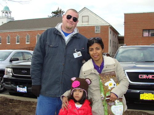 NSALA�s John Gilday with Ledda Valdebenito and her daughter.
