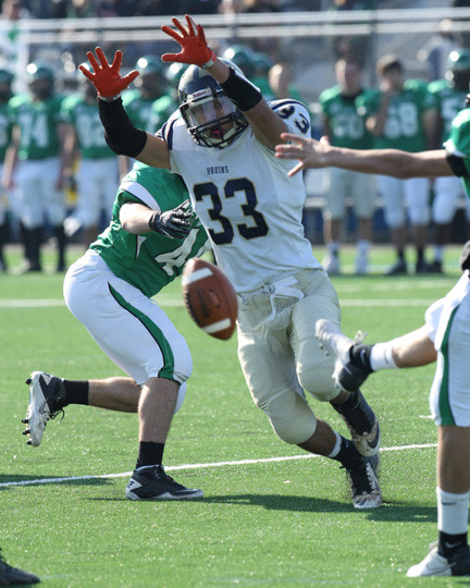 Baldwin's Matthew Guilfoyle came close to blocking a Farmingdale punt in the Nassau Conference I title game.