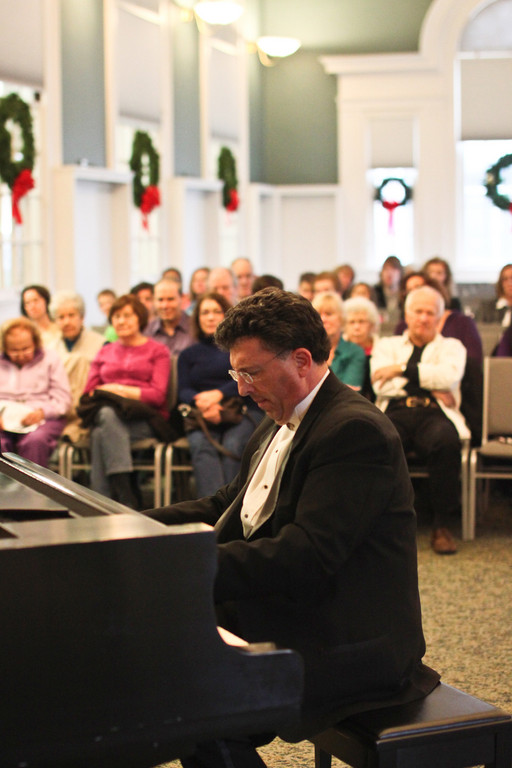 Biegel played a variety of music from classical to modern holiday tunes.