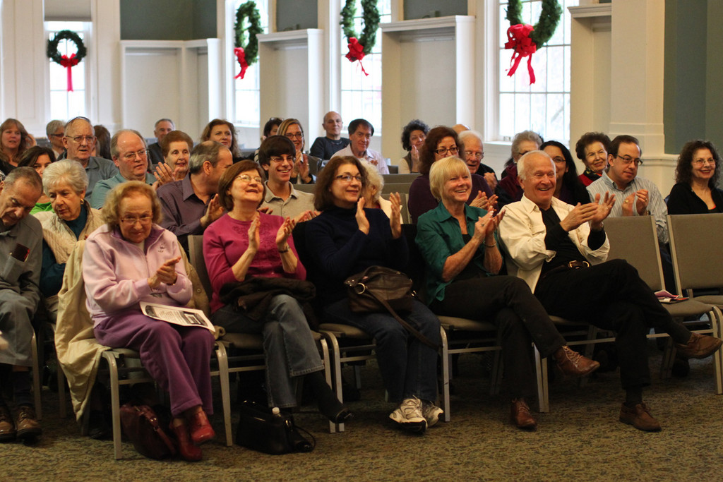 The crowd applauded after painist Jeffrey Biegel finished one of his original holiday compositions.