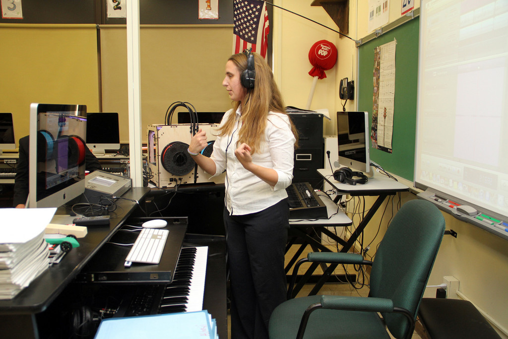 Music teacher Anna Elias-Bonet demonstrated how the new equipment and programs in the lab make teaching music more innovative and exciting.