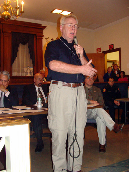 FEMA representative Michael Byrne answered residents' questions.