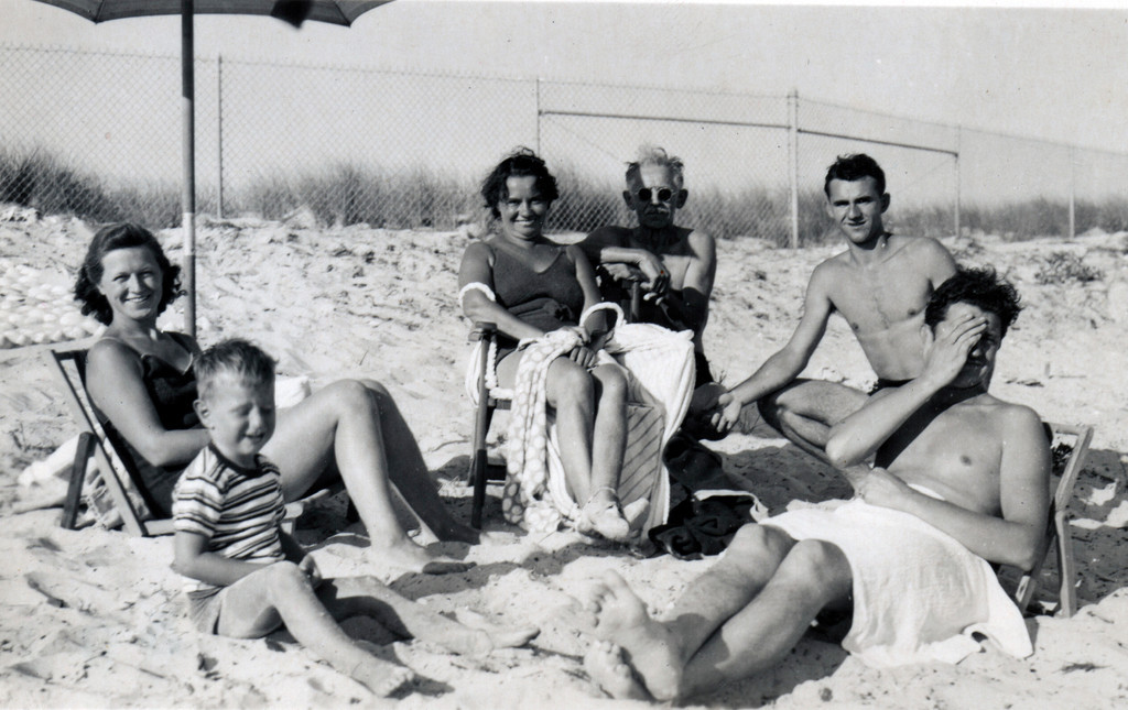 The Baessler family on Eldorado Beach in the early 1940s.
