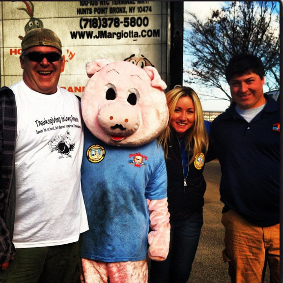 Swingbelly�s owner Sean Sullivan and his crew prepared more than 200 turkeys for residents on Thanksgiving.