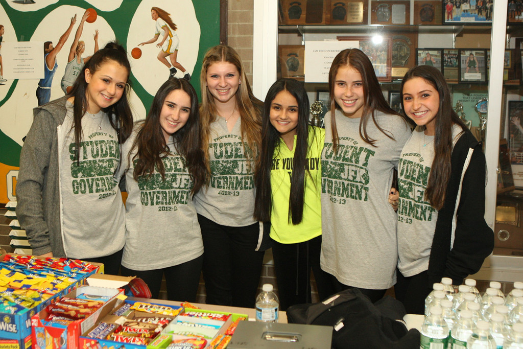 "Rachel Acampora, Bari Lawner, Alexa Weiner, Emily Silverman, Michaeia Mazur and Jessica Bendix, from left, worked with the student government to help organize fundraising and spirit events at this season's first ""Jam the Gym"" night."