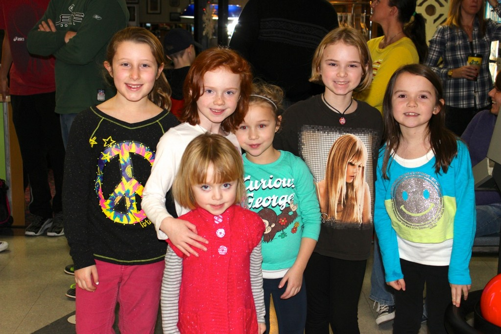 Isabella Funk, Mia Hannan, Kate Hannan, Maggie Hannan, Mairead Nealon and Caitlin Nealon had a fun time together.
