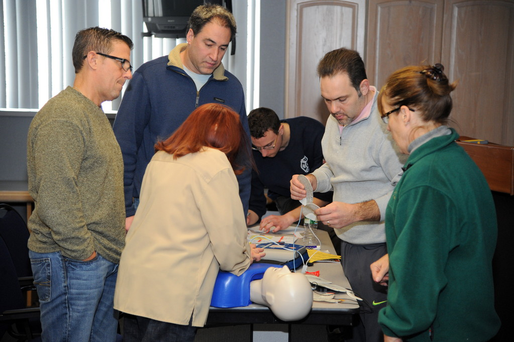 Instructor Linda Segota spoke to the group about automated external defibrillators at a class sponsored by the Robbie Levine Foundation.