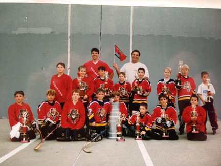 Jeff Kotcher, front row, third from the left, is bringing an adult hockey league to Valley Stream after getting approval from the village board on Feb. 4. Here he is pictured with his Panthers team at Barrett Park.