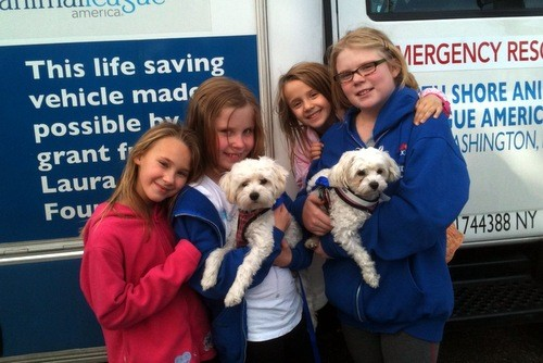 Annabelle, Jacqueline, Madeleine and Alaina were happy to be able to visit Genevieve and Juliet at the emergency shelter at Mitchel Field.