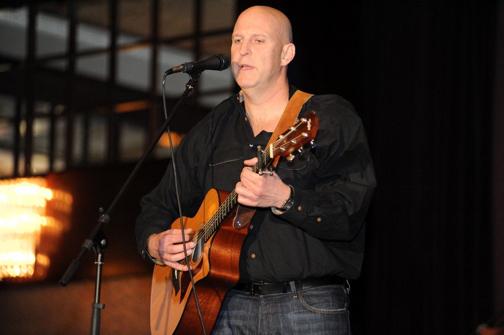 Five Towns residents showed off their creative skills at SULAM-LI's fundraiser talent show. Musician and singer Michael Feldman was one of the 12 performers.