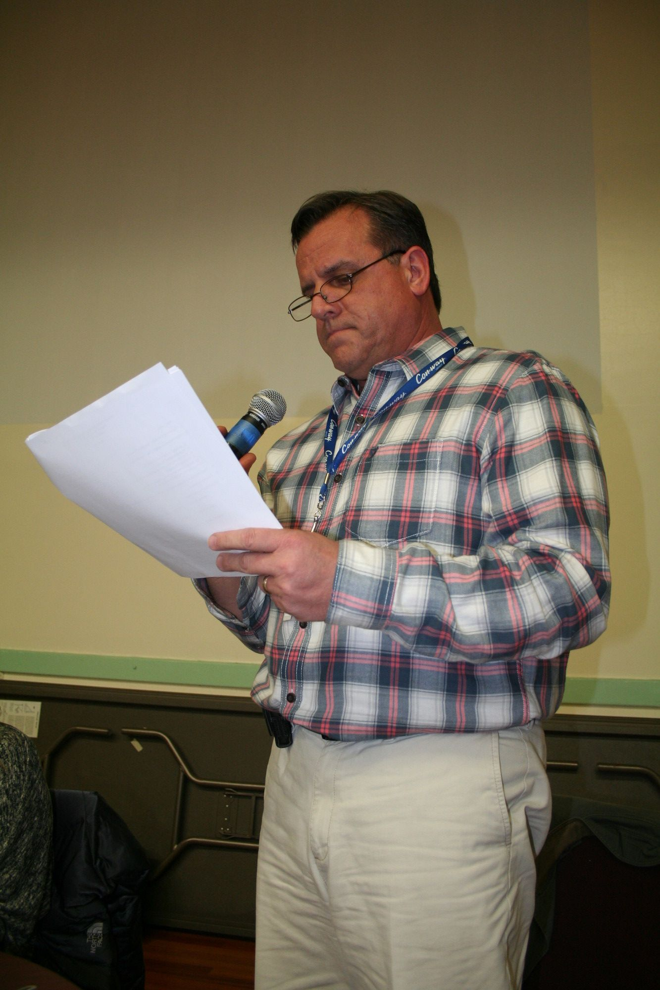 Kenneth Rochler, a Woodmere resident and the father of four boys in the Hewlett-Woodmere School District, voiced his concerns about the teachers' contract and its impact on the budget at the public forum on March 21.