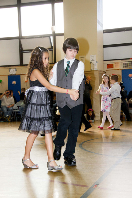 Amanda Borgogelli and Ryan Walfisch were dance partners.