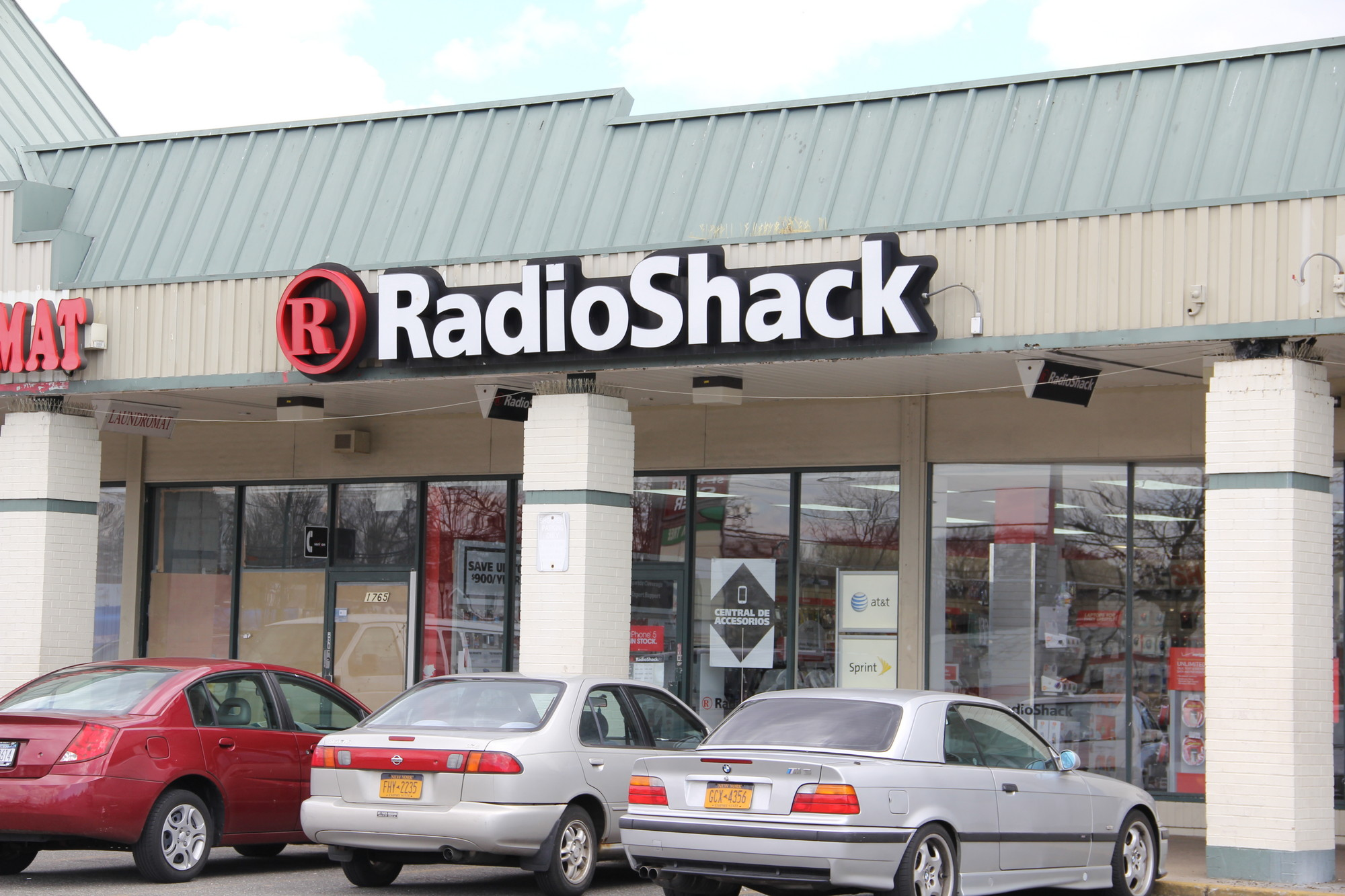The lone clerk at this Radio Shack was tied up during a robbery last May.