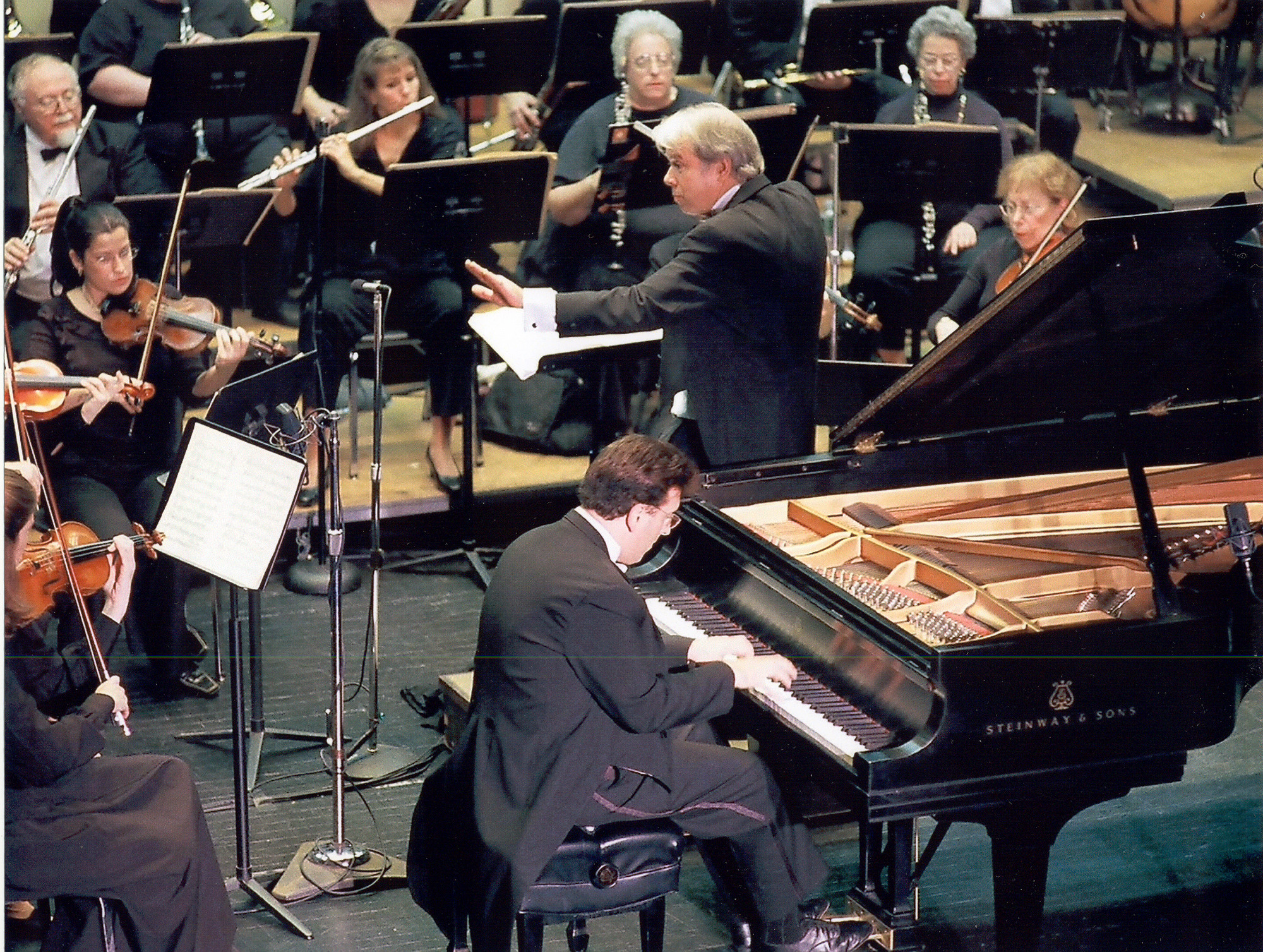 Pianist Jeffrey Biegel appears with the South Shore Symphony this weekend.