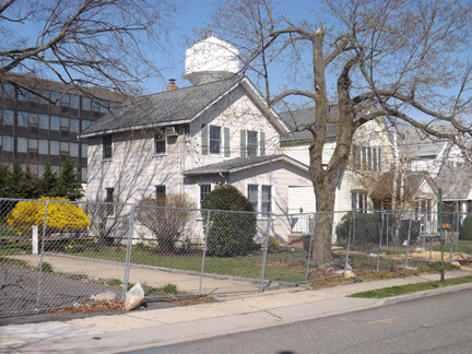 9 Merton Ave.: