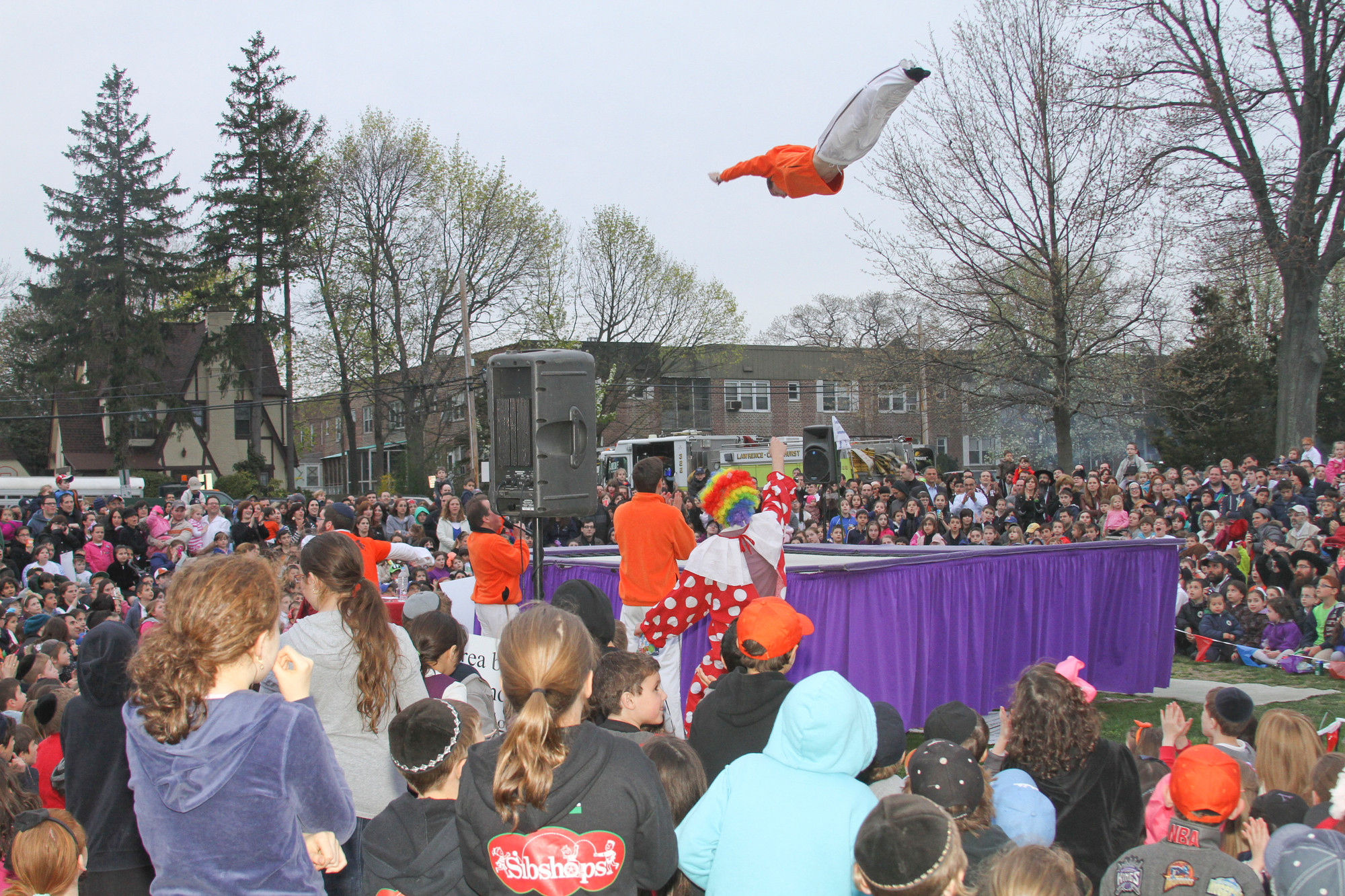 An aerial show full of tricks by the Amazing Skyriders entertained the audience at Cedarhurst Park.