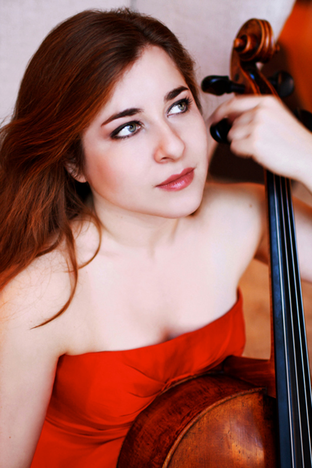 Cellist Alisa Weilerstein performs with the National Symphony Orchestra at Tilles Center on Friday.