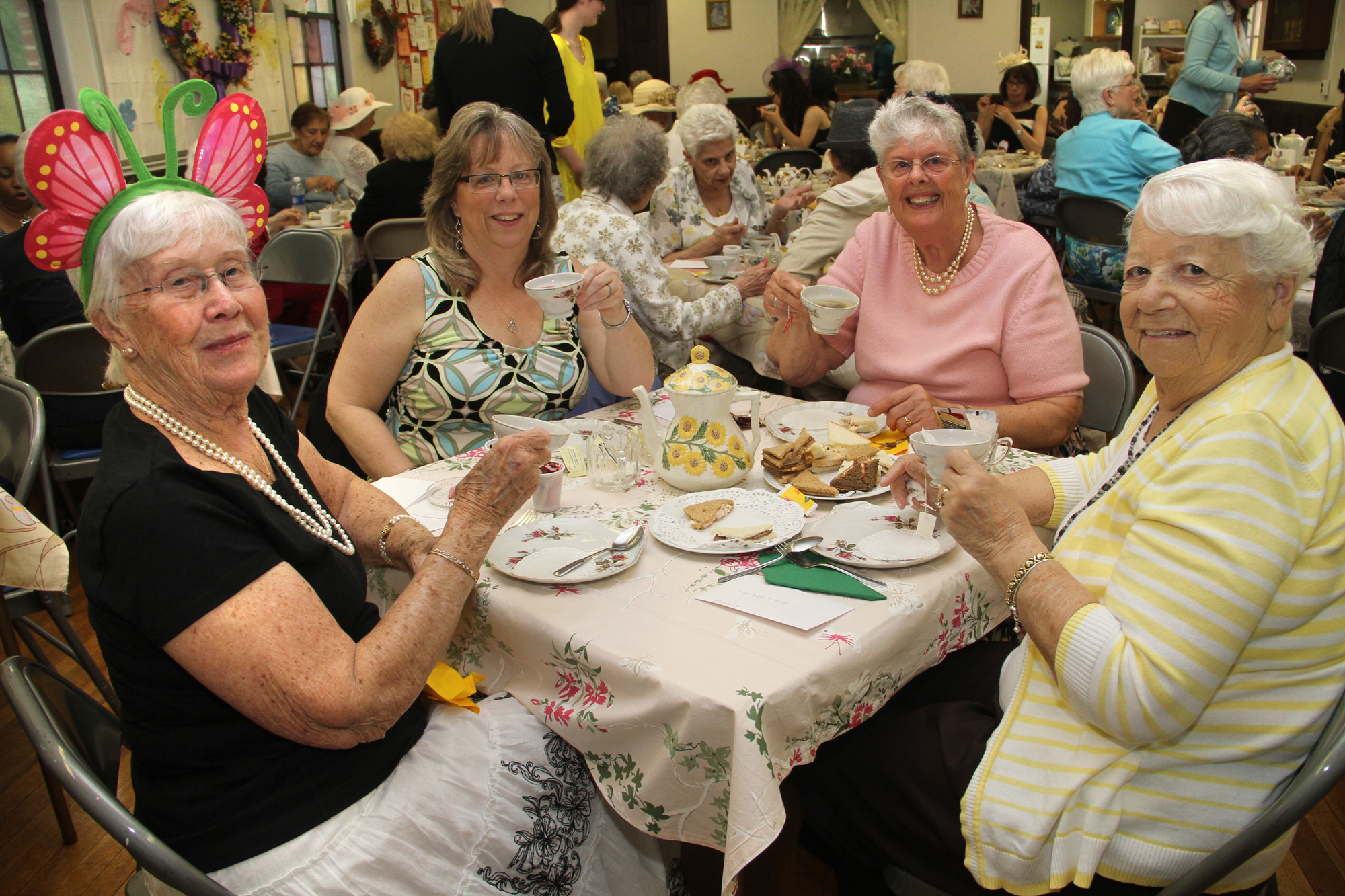 Betty Cooper, Janie Cooper, Mary Ellen Mellina and Rosemarie Offermann enjoyed an afternoon of tea and socializing.