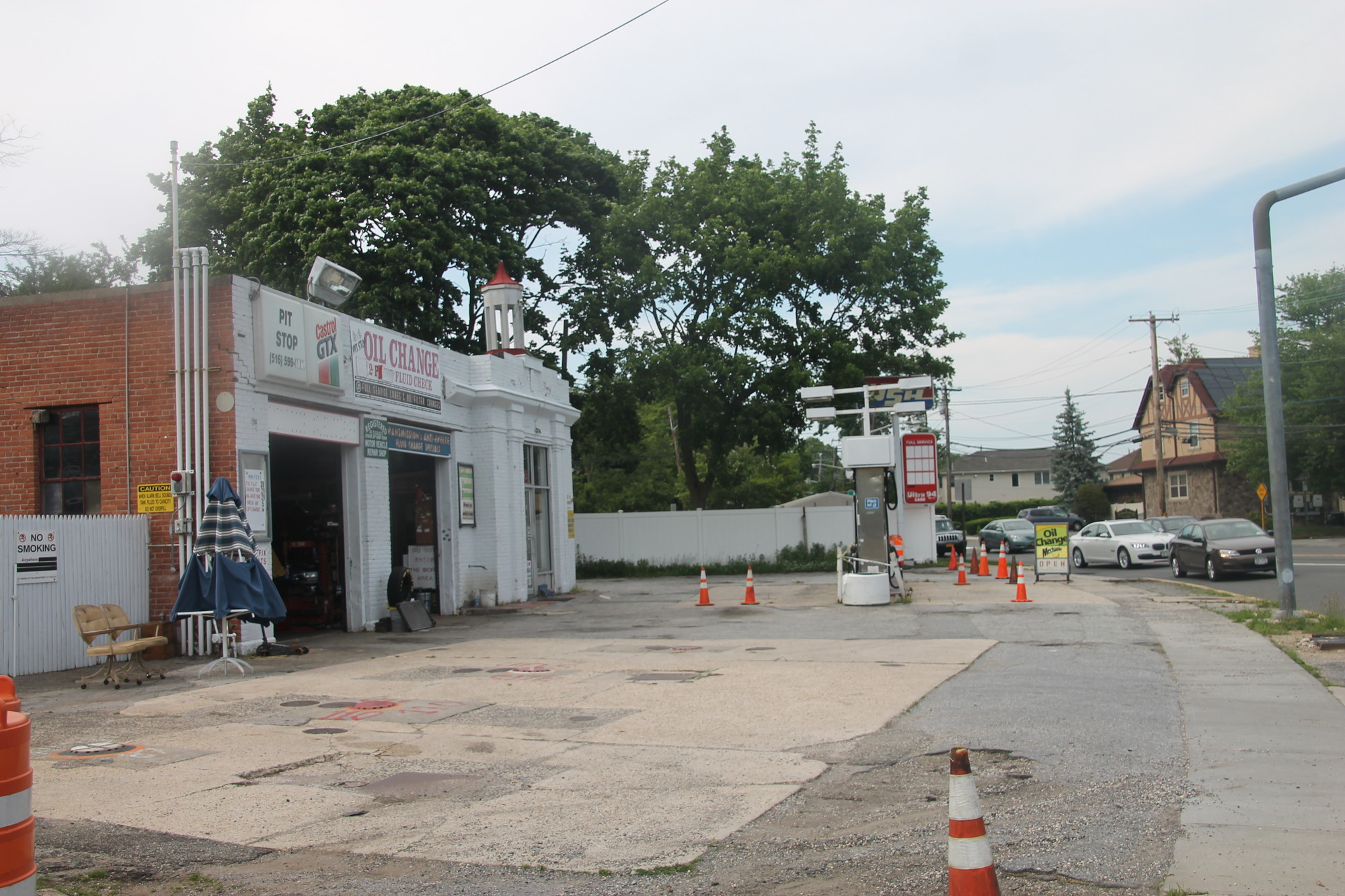 The Hempstead town board is still considering two applications to reopen the Malverne Park gas station by Snuggle Ventures Inc. — which wants to rezone the property and install four new gasoline storage tanks — while waiting for further testimony.