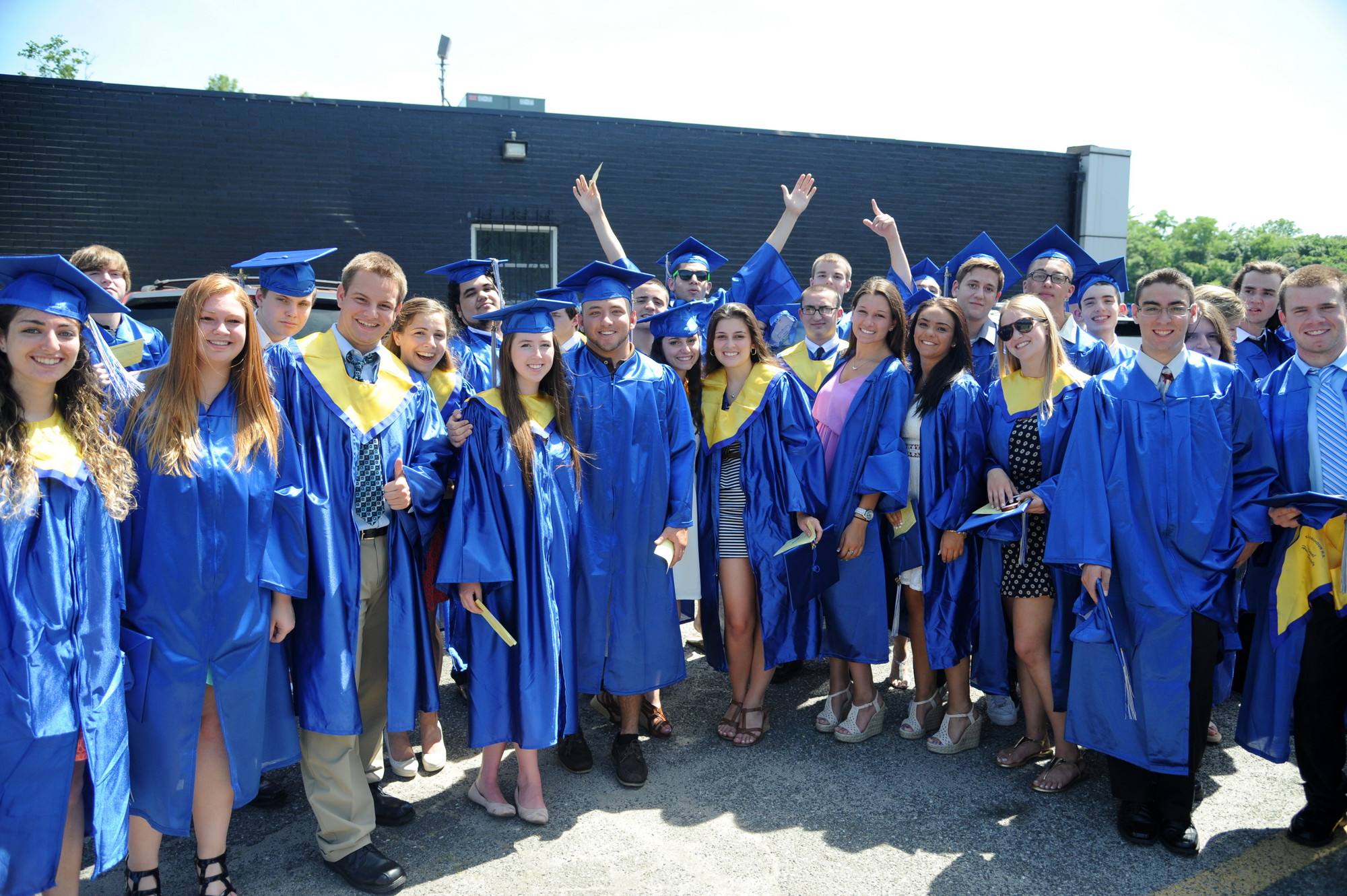 The seniors rejoiced before the ceremony.
