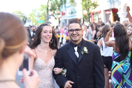 Jenny Reed and Vin Carocciolo smiled as the two walk down the avenue.