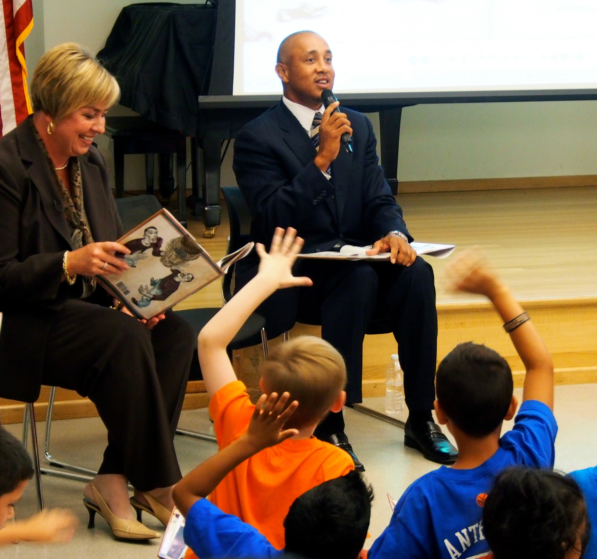 There was no shortage of volunteers willing to read alongside John Starks and Kate Murray.