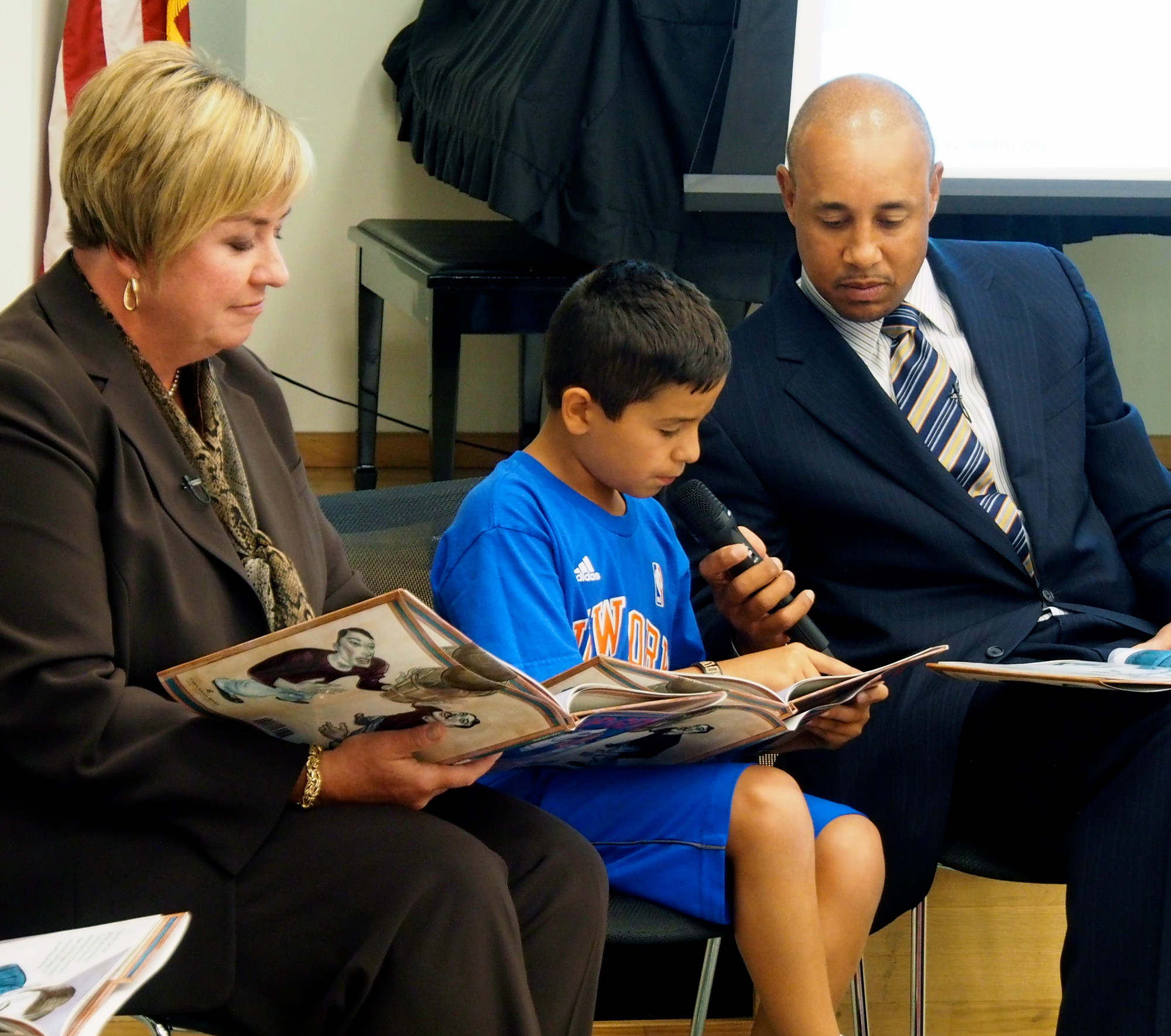 A Young Knicks fan named Oliver was the first guest reader from a capacity crowd at the BPL.