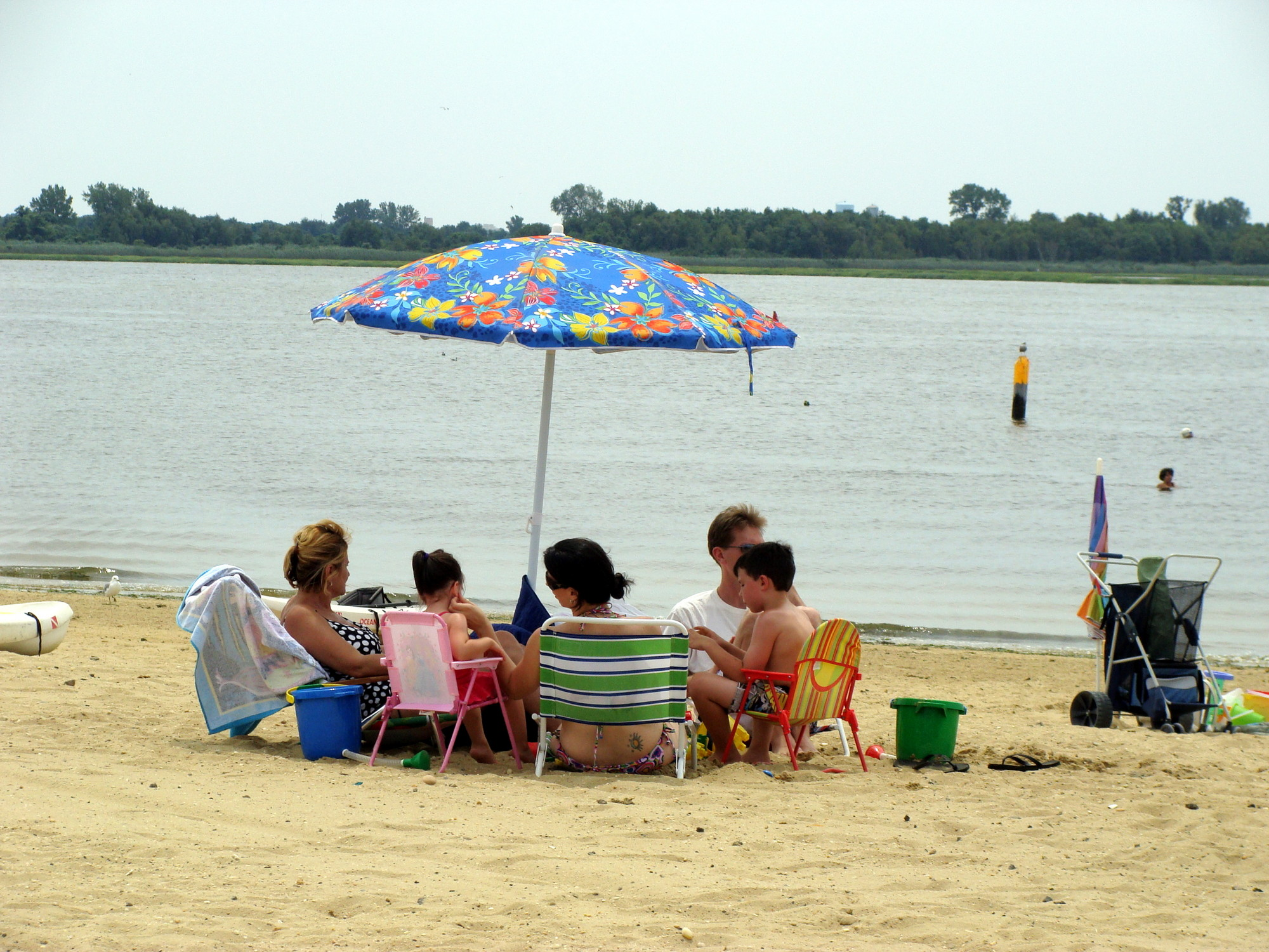 Hewlett Point Park's beach on Hewlett Bay is a relaxing place to spend some time with family and friends.