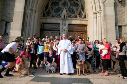 Many owners brought their pets to St. Agnes to be blessed.
