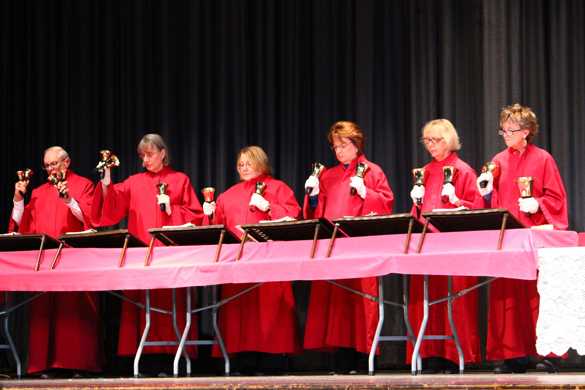 "The Handbell Choir, under the direction of Carol Ng, rang in the holiday season with performances of ""A Joyful Carillon,"" ""The Joyful Glockenspiel,"" ""A Joyful Ring"" and ""People on Duke Street."""