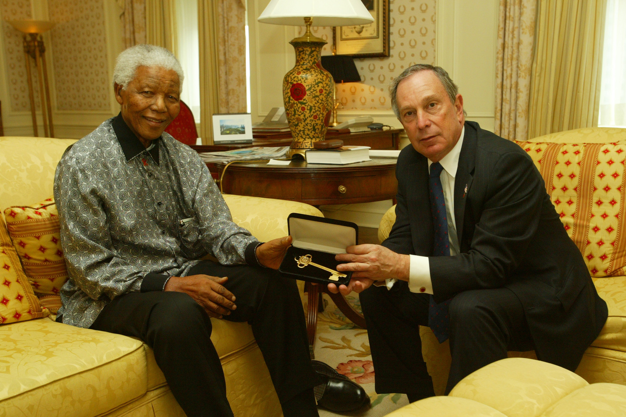 New York City Mayor Michael Bloomberg presented Mandela with a key to the city in 2005.
