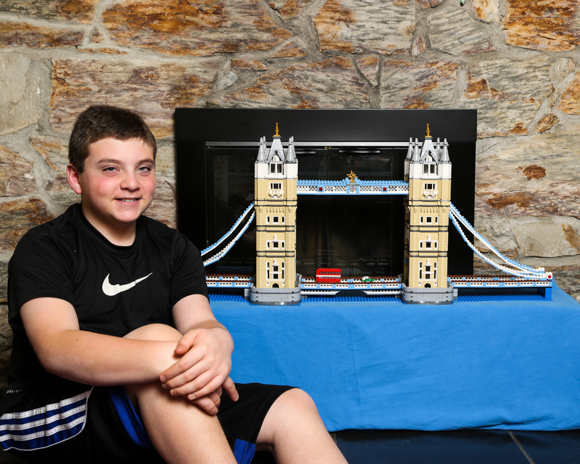 A 4,300-piece Lego replica of the London Bridge was another centerpiece of Shane Weiner�s bar mitzvah.